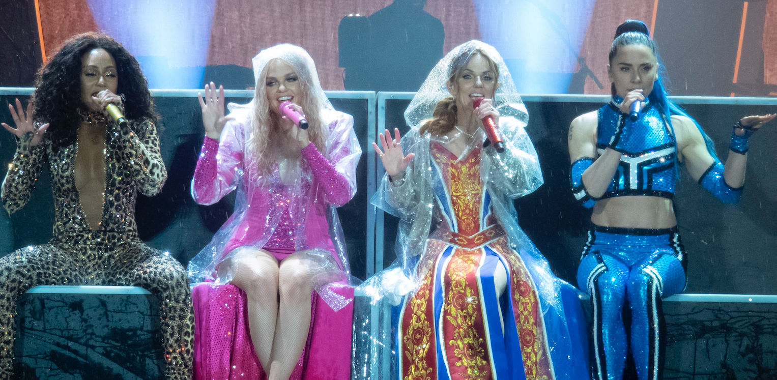 """Fans rave about Spice Girls' """"amazing"""" show as they perform in pouring rain"""