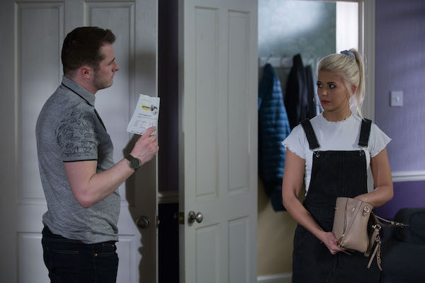 EastEnders SPOILER: Lola and Lexi leave Walford?