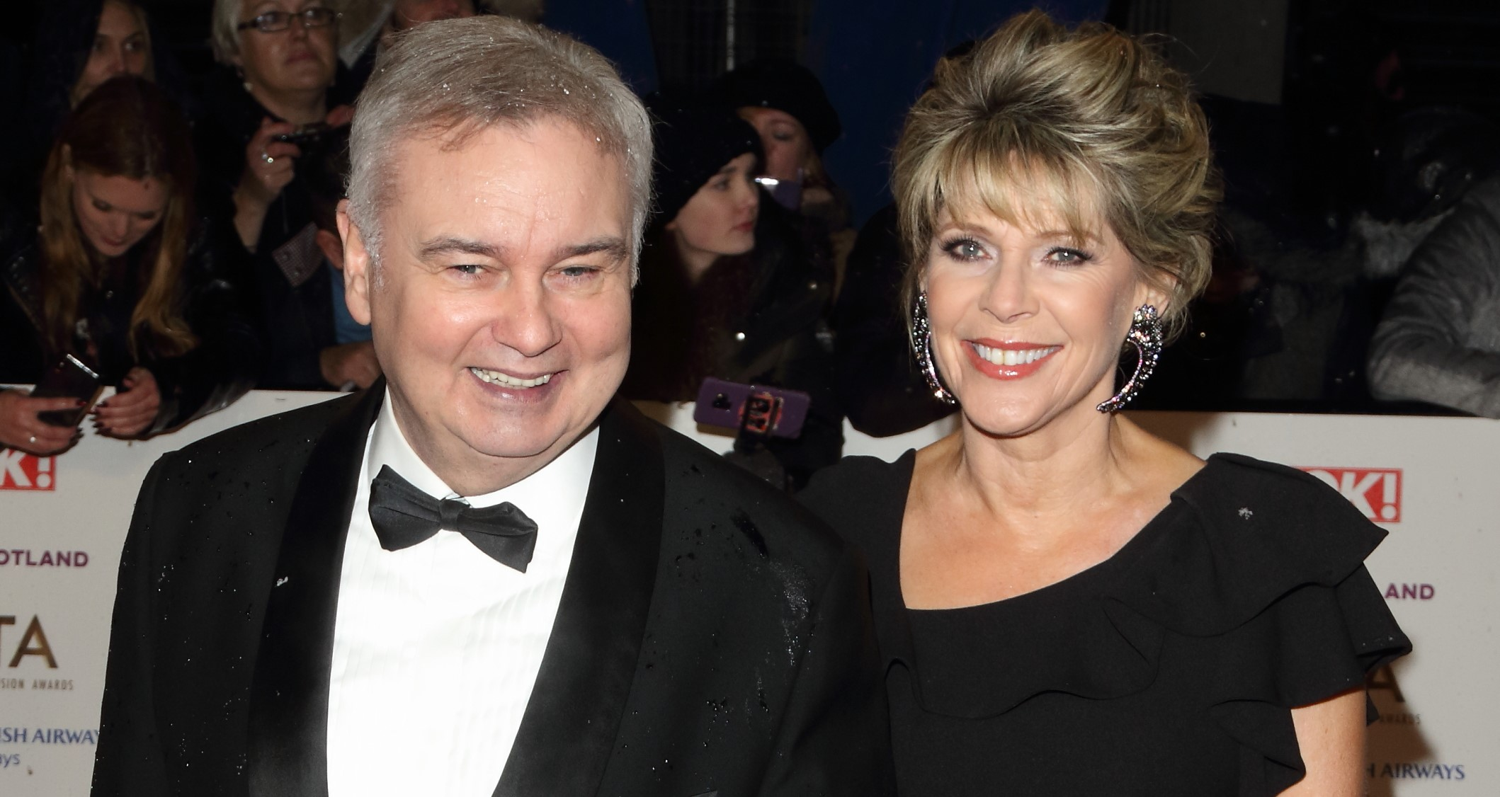 Eamonn Holmes sends emotional message to fans after death of Ruth Langsford's sister