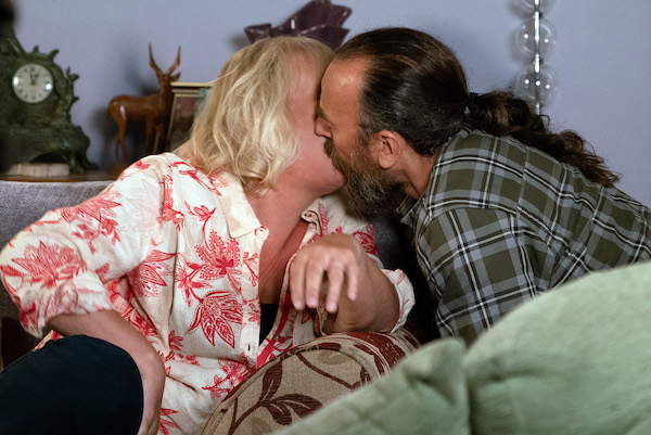 Coronation Street SPOILER: Eileen in danger as she kisses Jan?