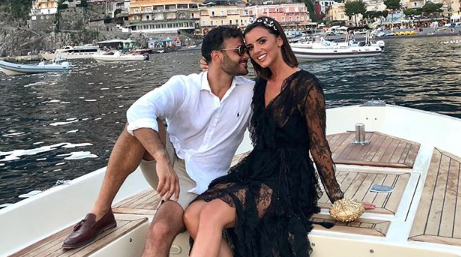Ryan Thomas shares sweet snap as he reunites with family after engagement
