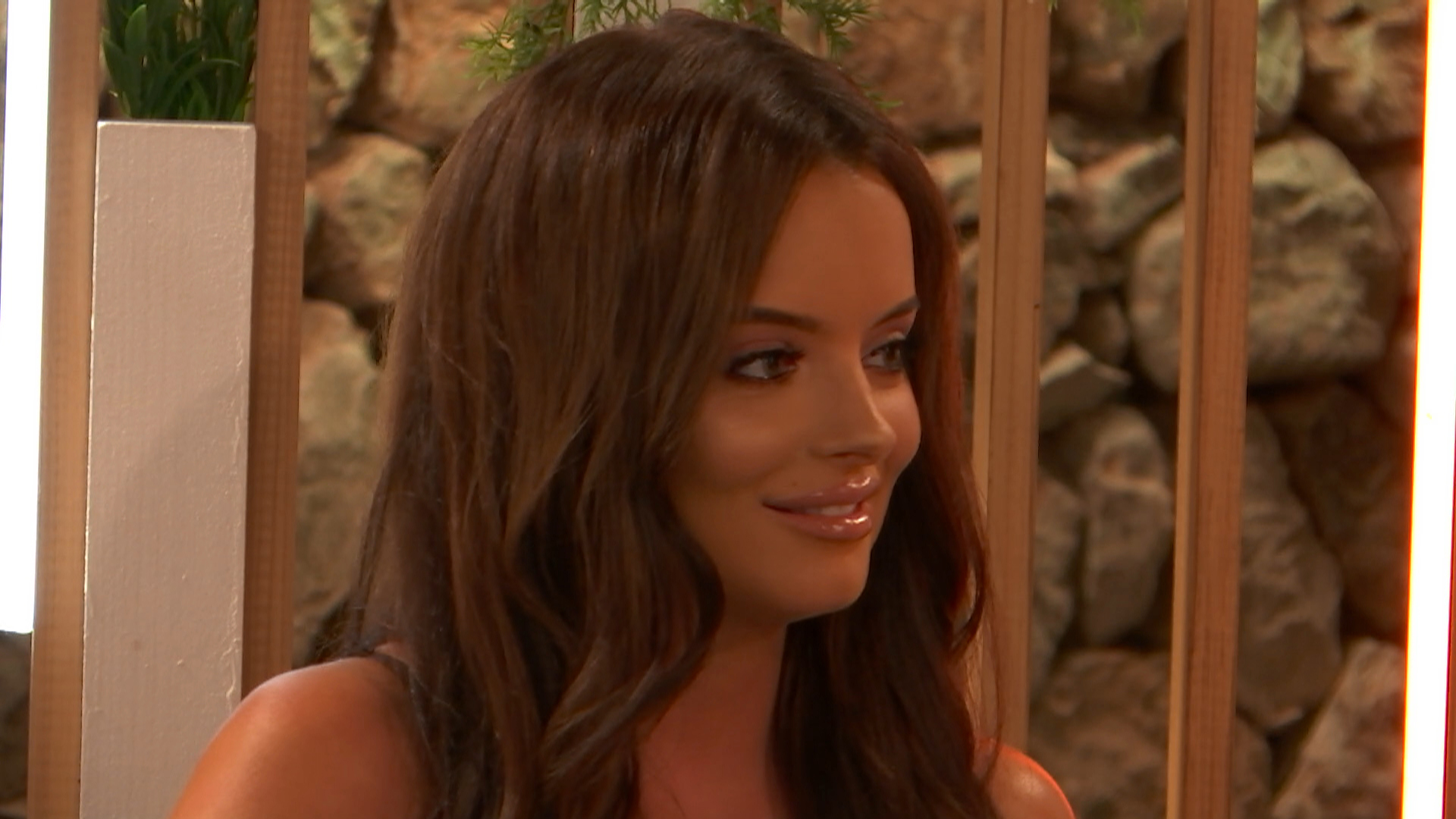 Love Island SPOILER: Maura makes her move on Curtis