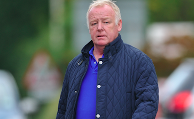 Les Dennis 'upsets fan after refusing to let him name his pub after him'