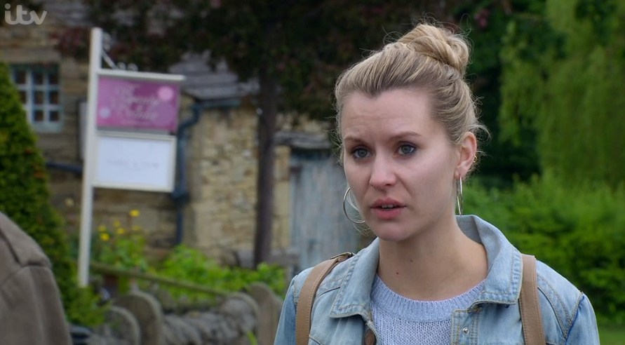 Emmerdale viewers disgusted as Dawn admits she revealed Lydia's information to the press