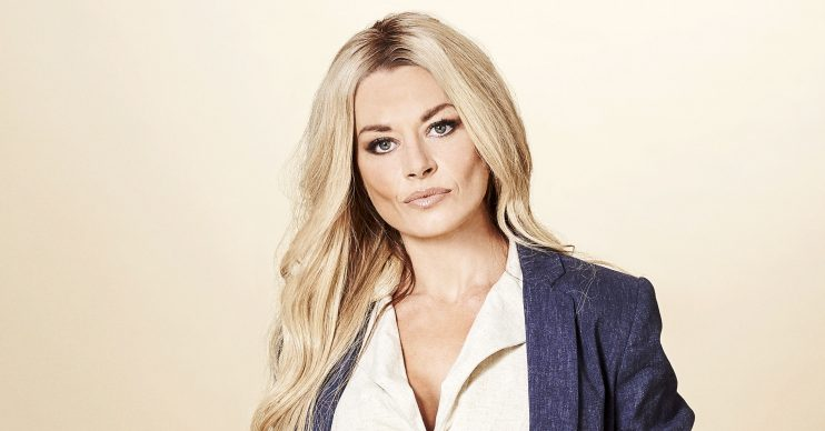 8140 - Madeleine West as Andrea Somers 1