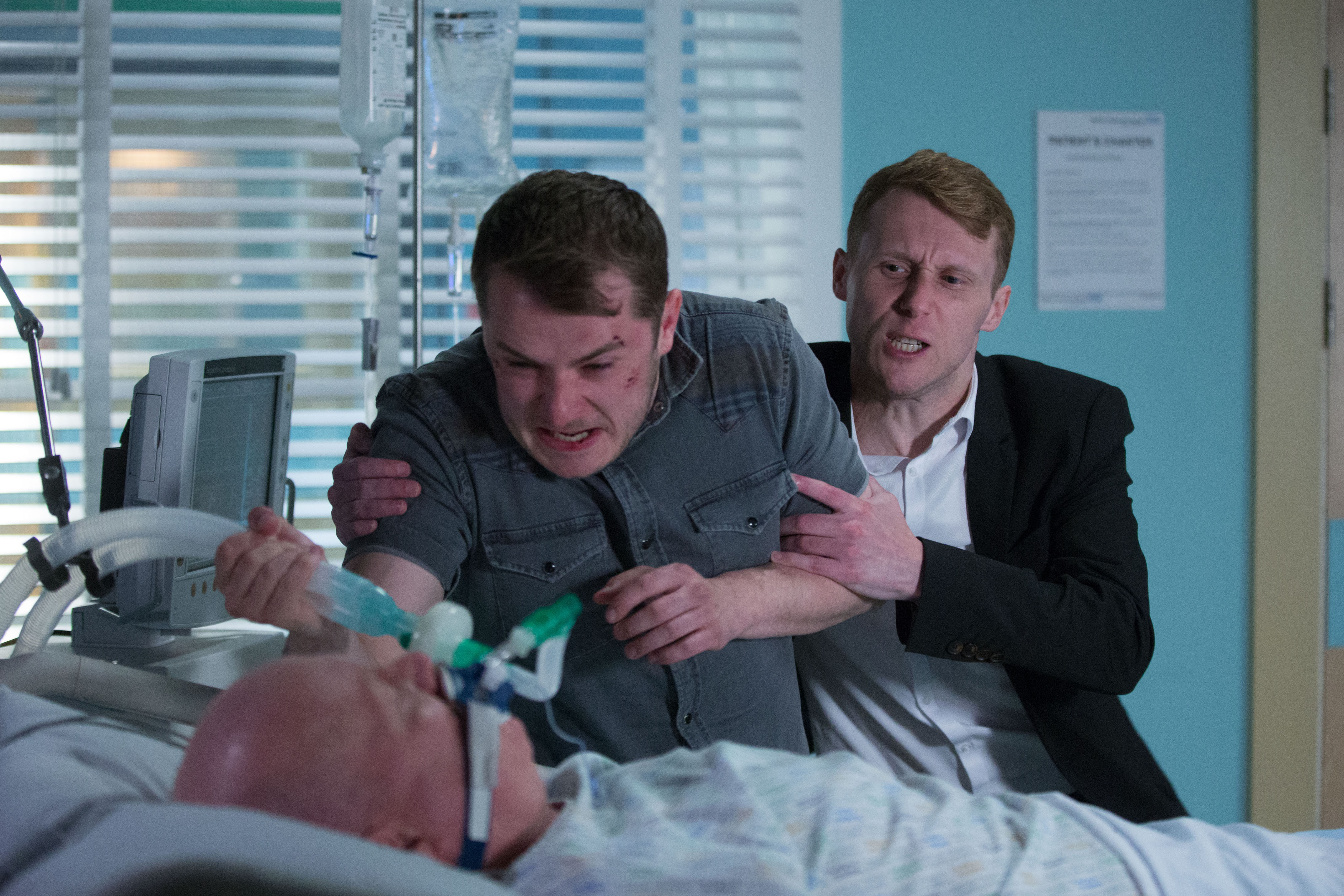 EastEnders SPOILER: Jay catches Ben trying to kill Phil