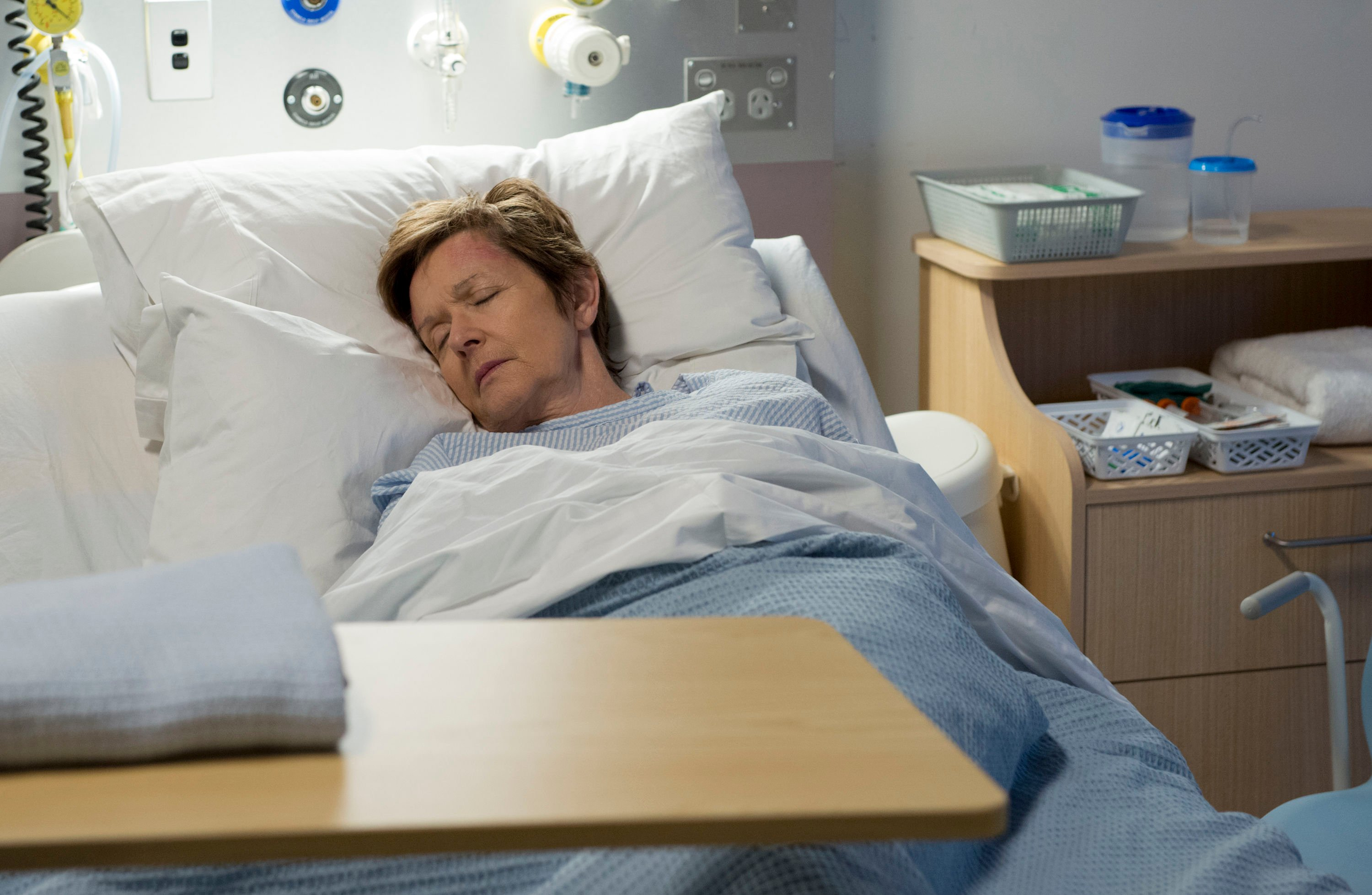 NEIGHBOURS SPOILER: Susan rushed to hospital
