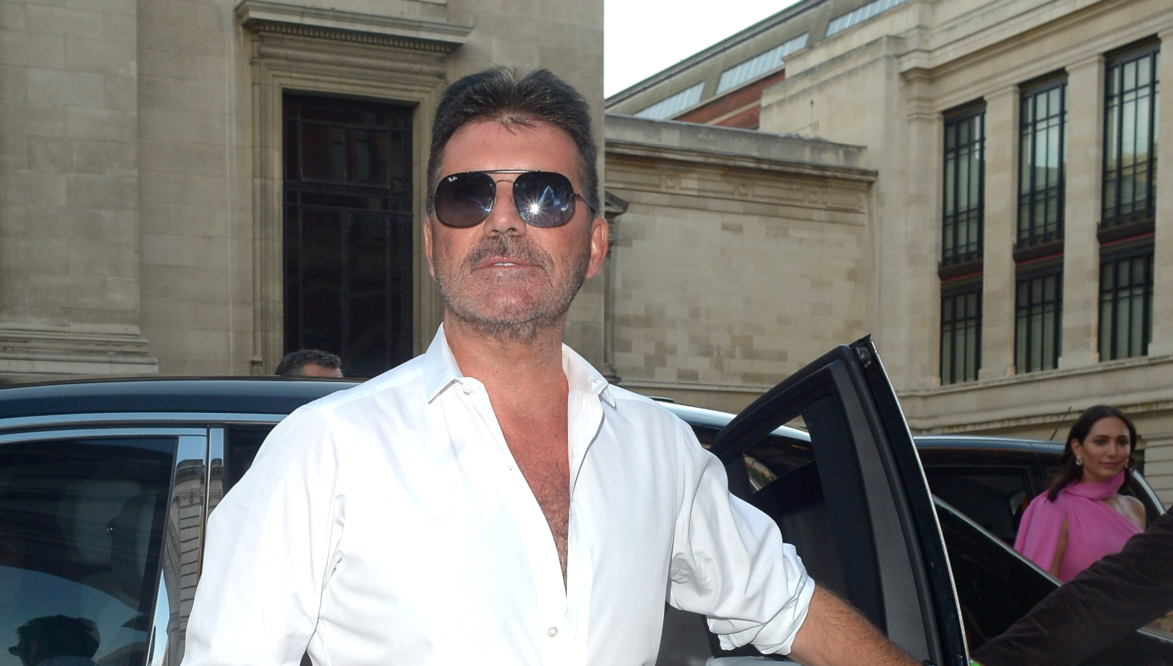 Simon Cowell unrecognisable as he appears to have lost more weight