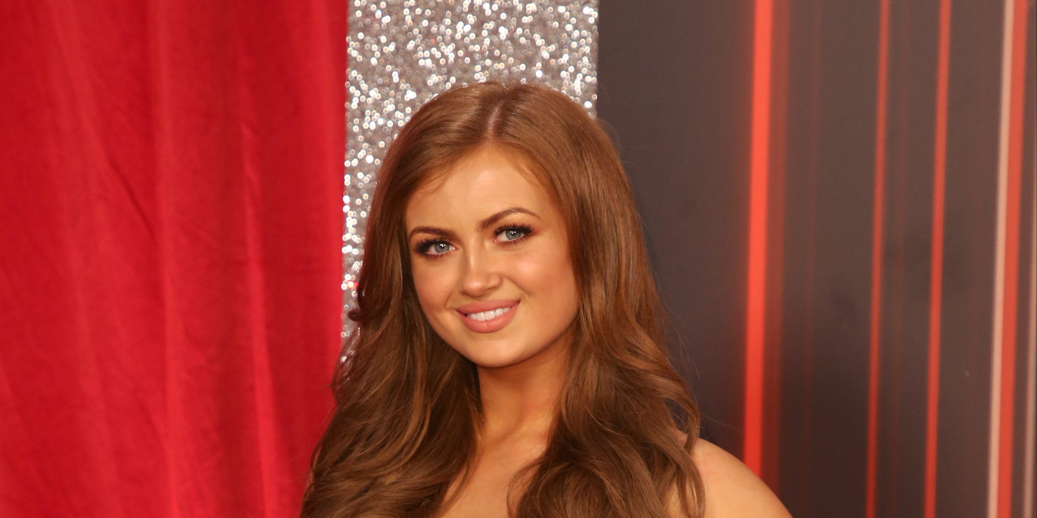 EastEnders' Maisie Smith shares photo with 'lookalike' mum