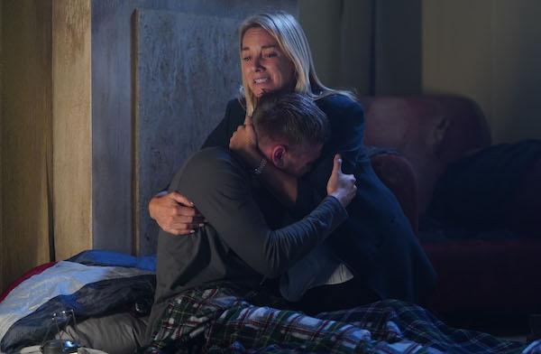EastEnders SPOILER: Mel flees Walford with Hunter?