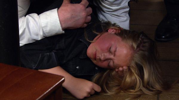 Emmerdale SPOILER: Liv suffers a seizure