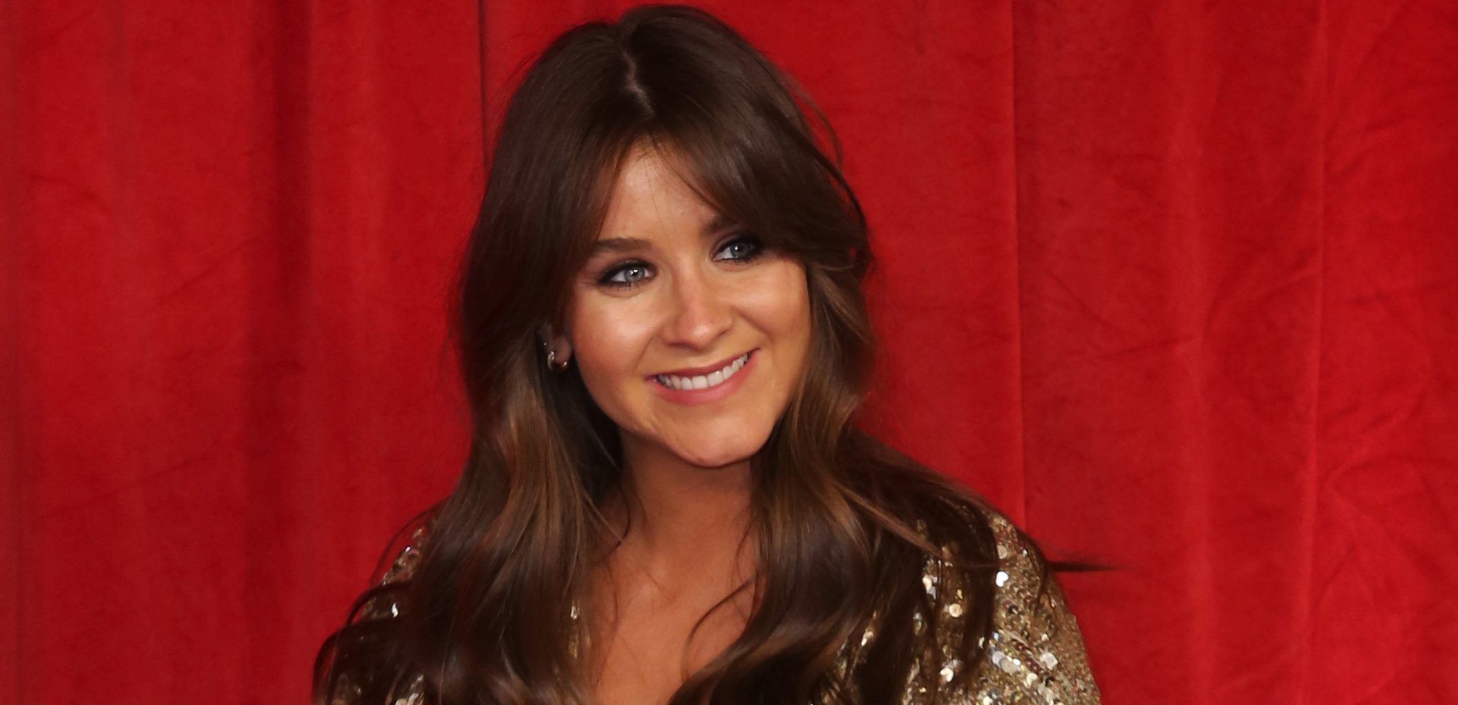 Brooke Vincent cries as she says goodbye to Coronation Street to go on maternity leave