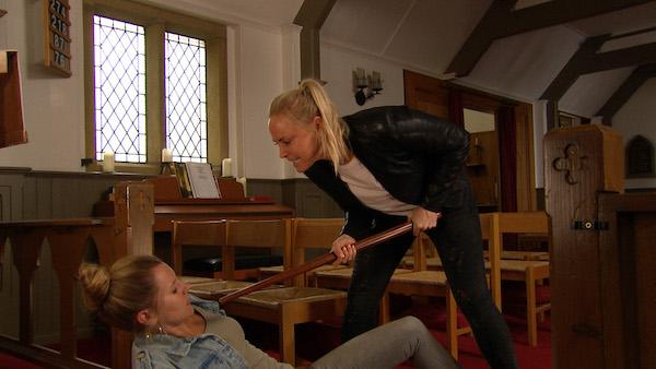 Emmerdale SPOILER: Hostage drama for broken Tracy