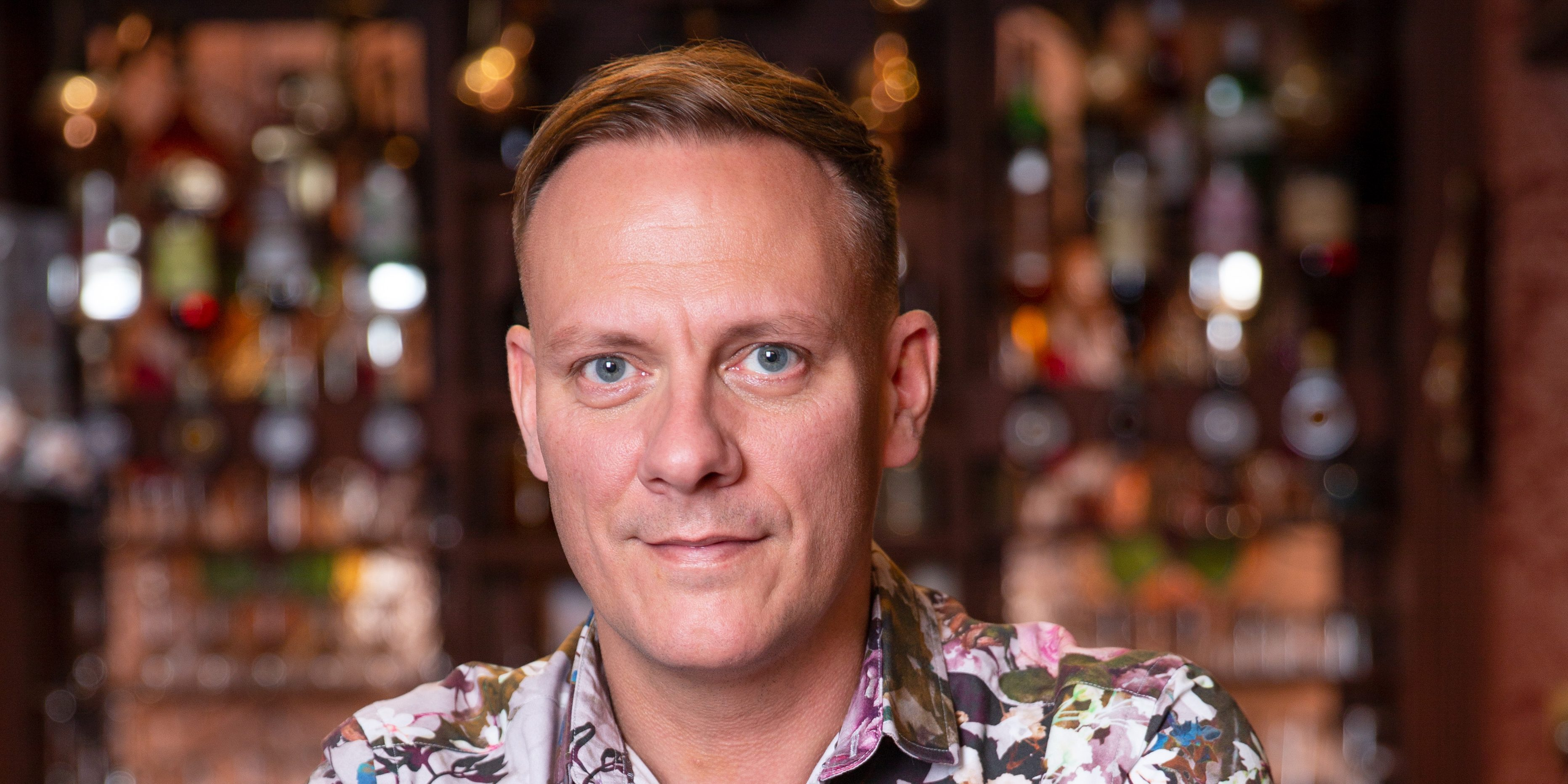 Antony Cotton signs new Coronation Street contract