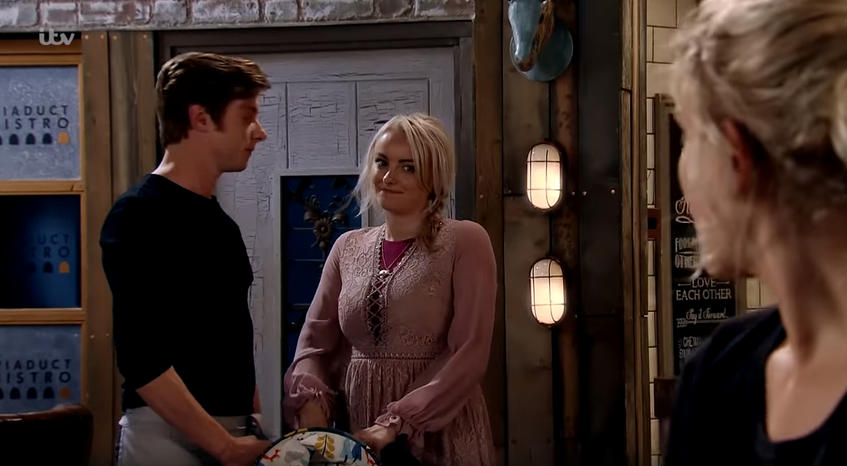 Coronation Street SPOILER: Sinead notices a spark between Daniel and Bethany