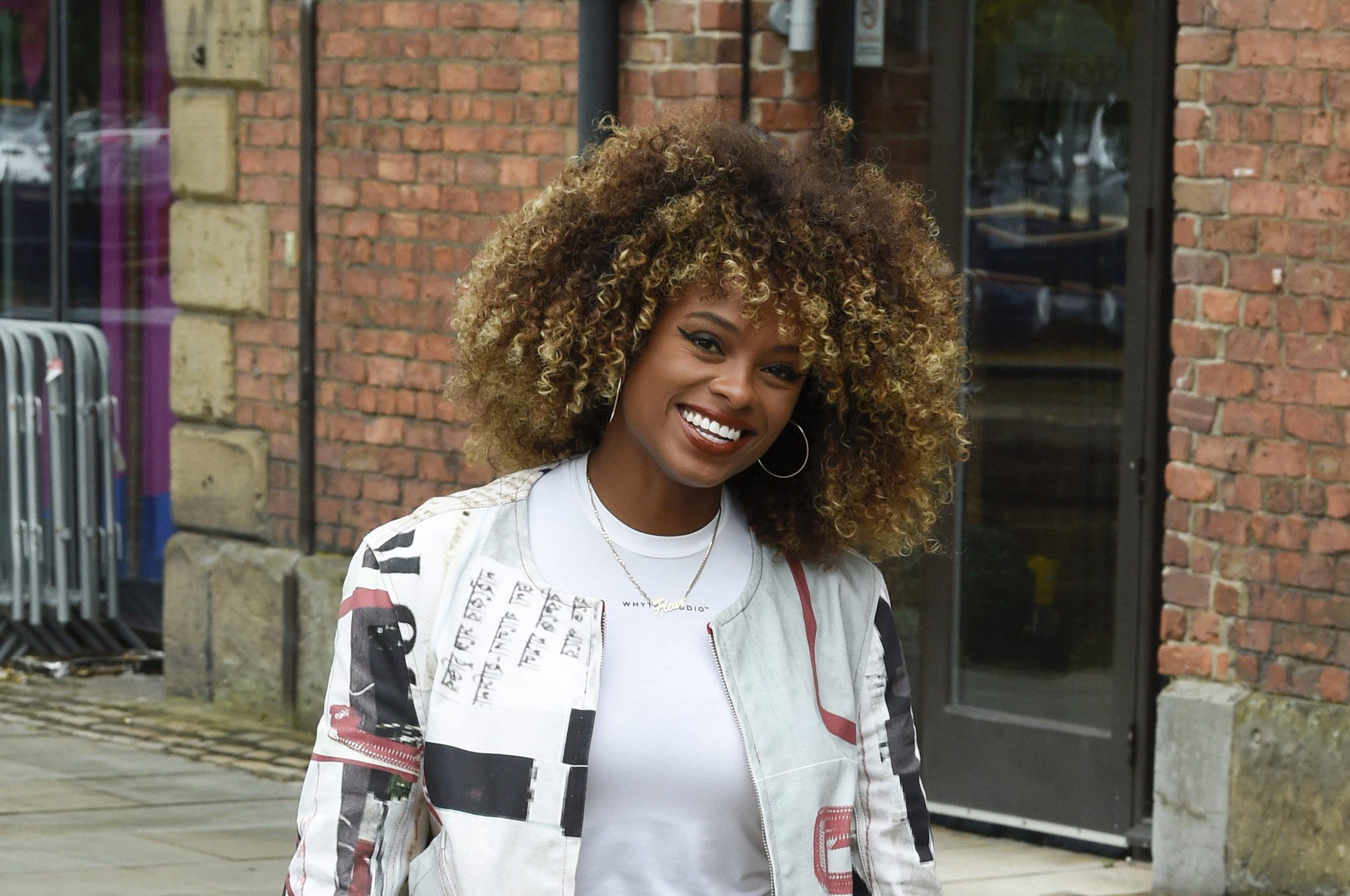 Fleur East is almost unrecognisable as she stuns fans with straight hairstyle