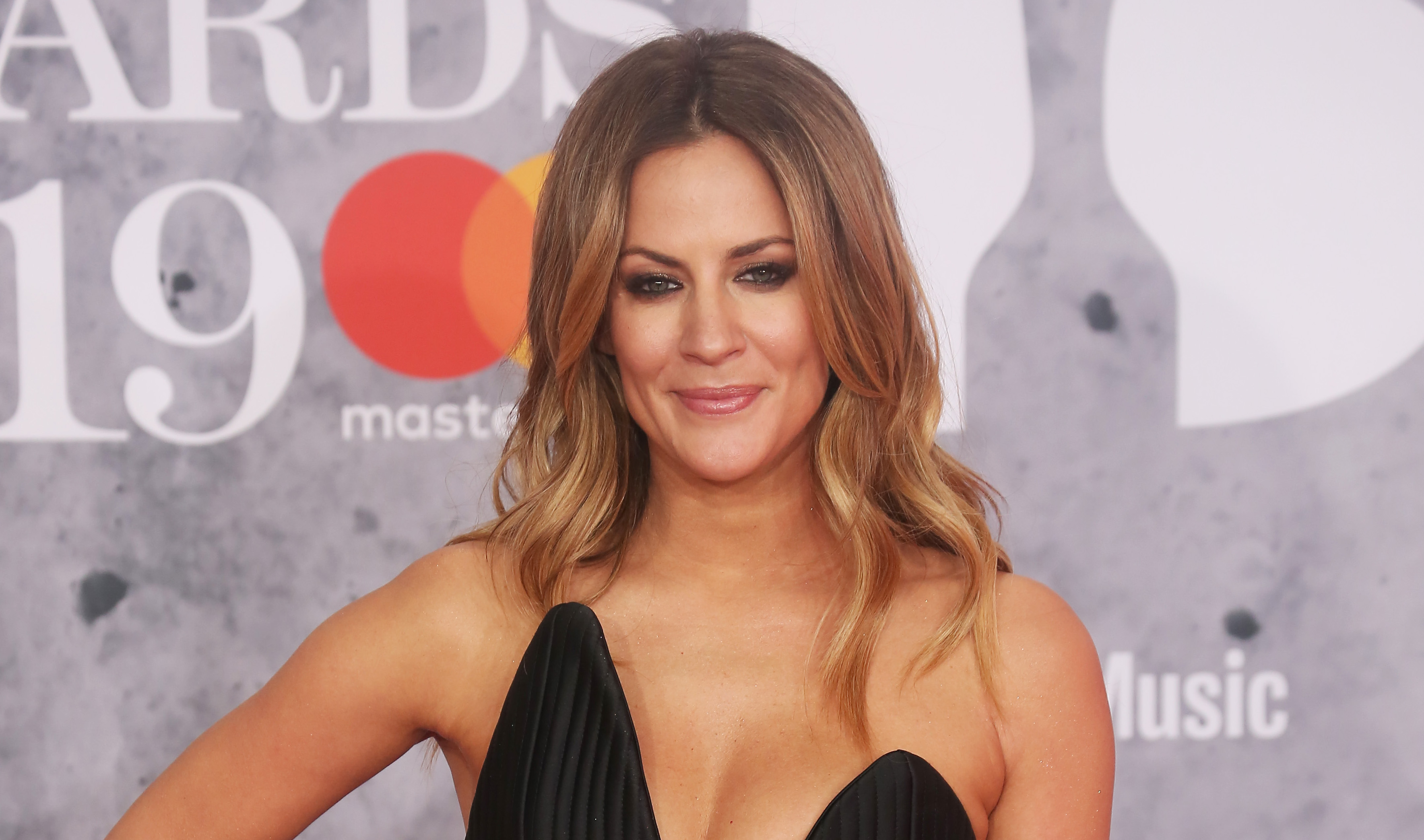 Caroline Flack debuts sleek new hairdo on social media