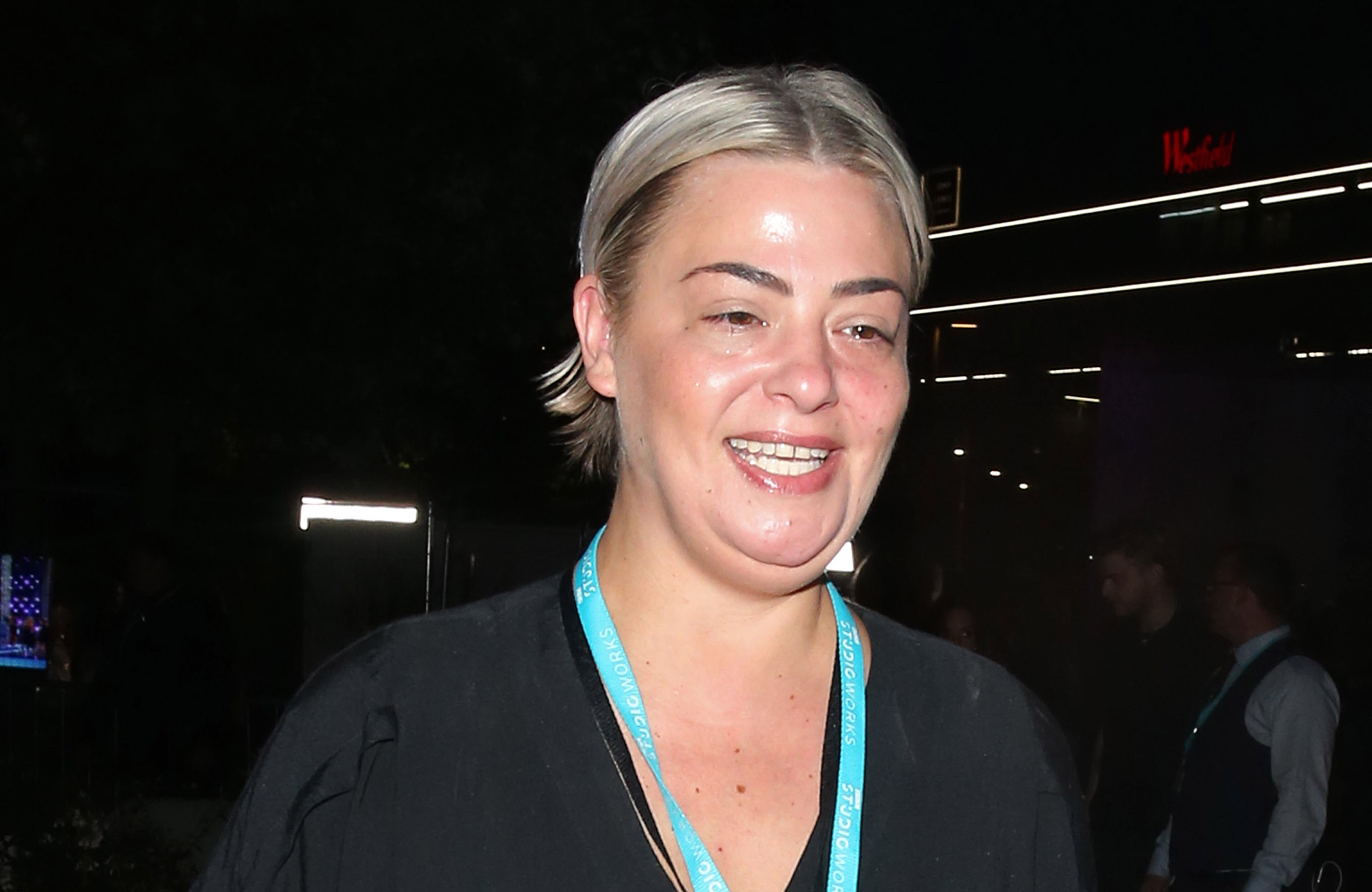 Lisa Armstrong stuns fans as she shows off dramatic new look