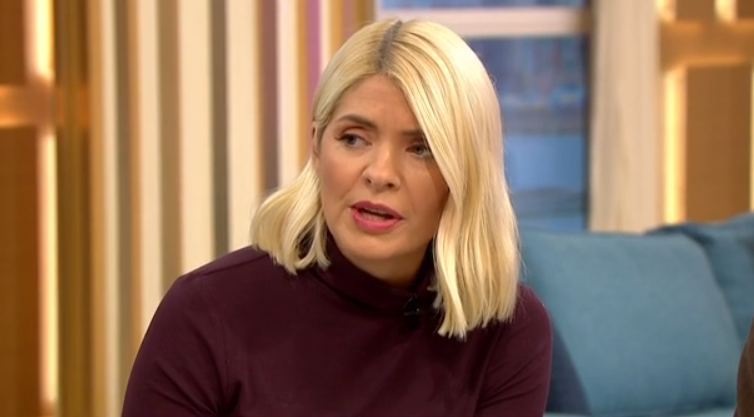 Fans divided over Holly Willoughby's 'unflattering' £895 trousers on This Morning