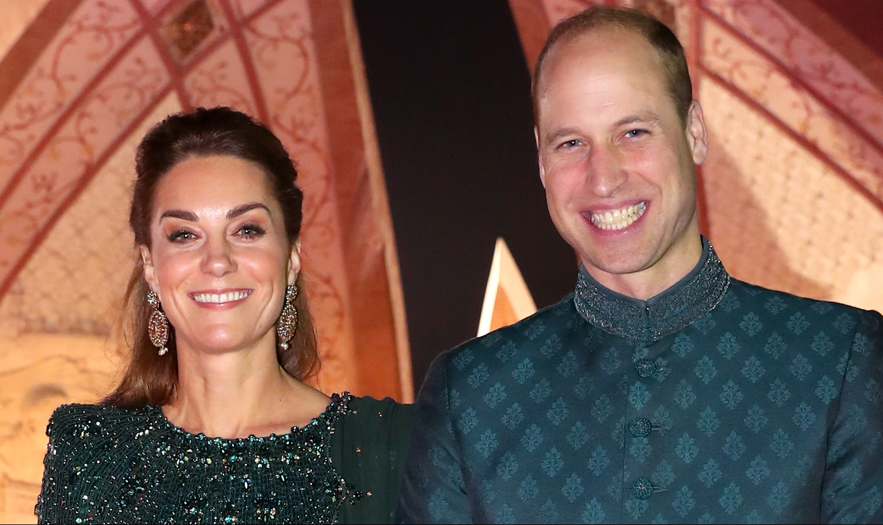 Duchess Kate glitters in green as she arrives for night out with William in a rickshaw