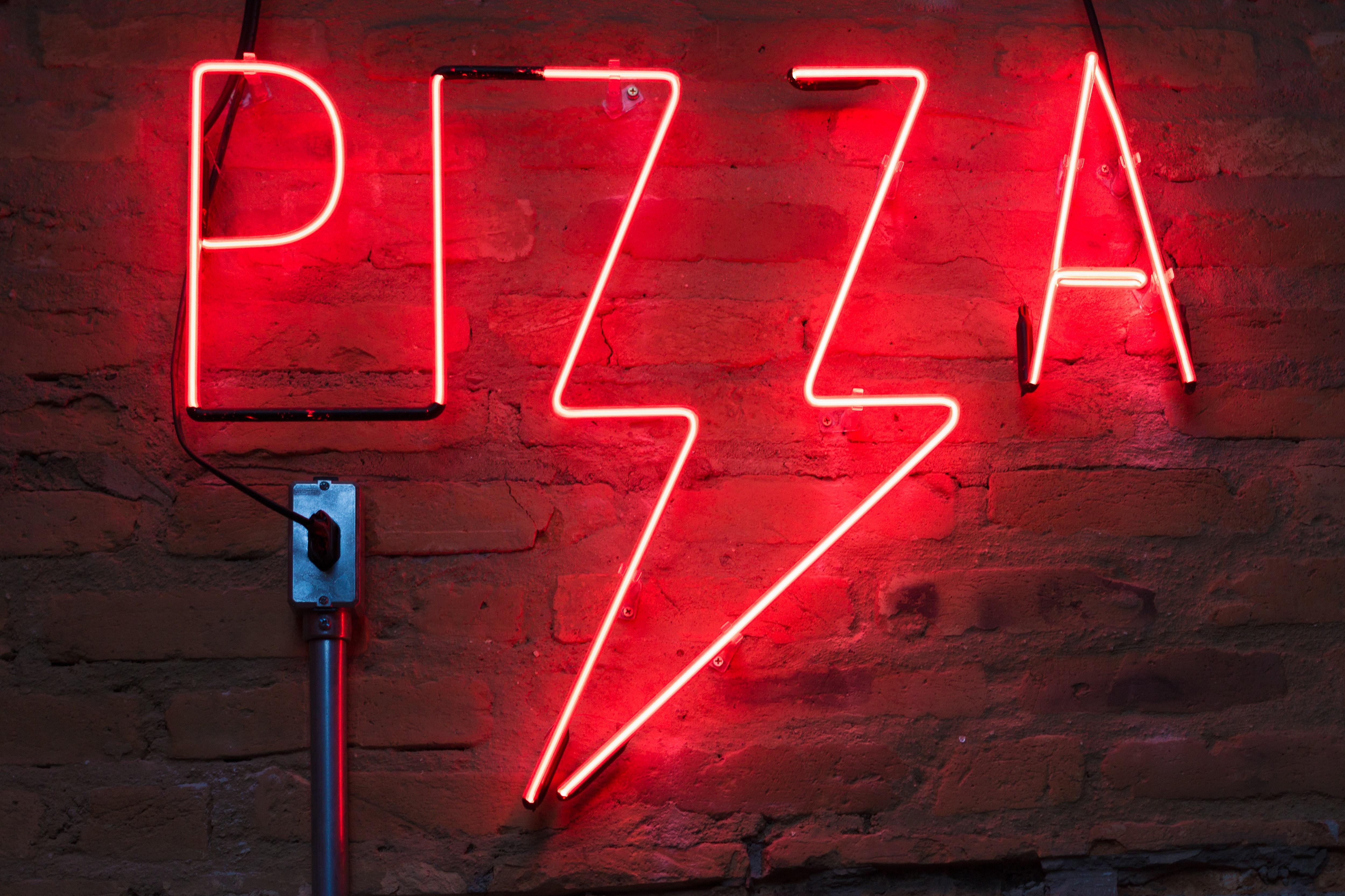 Cheap pizza (Credit: Pexels)