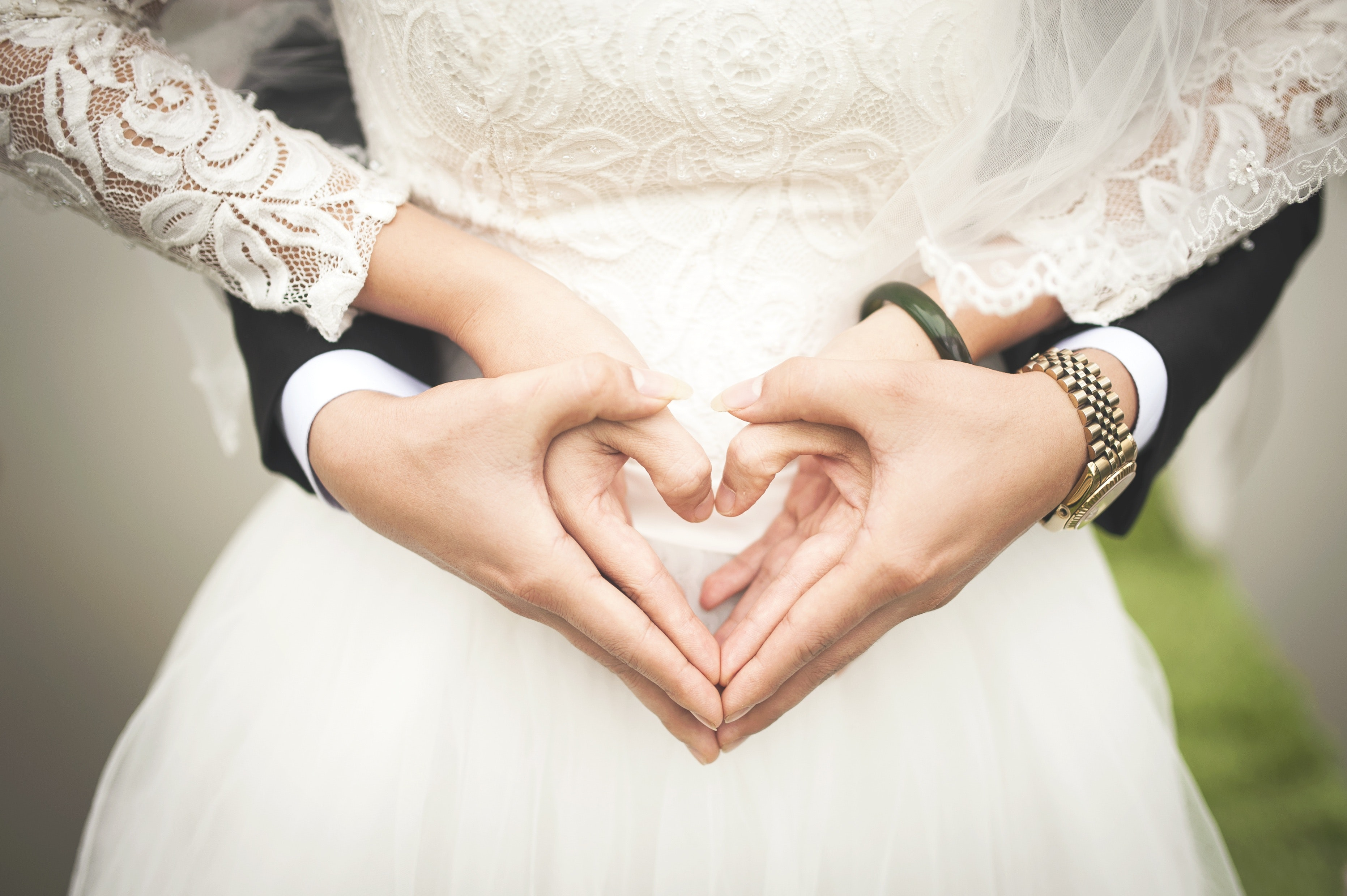 Bride and groom generic pexel