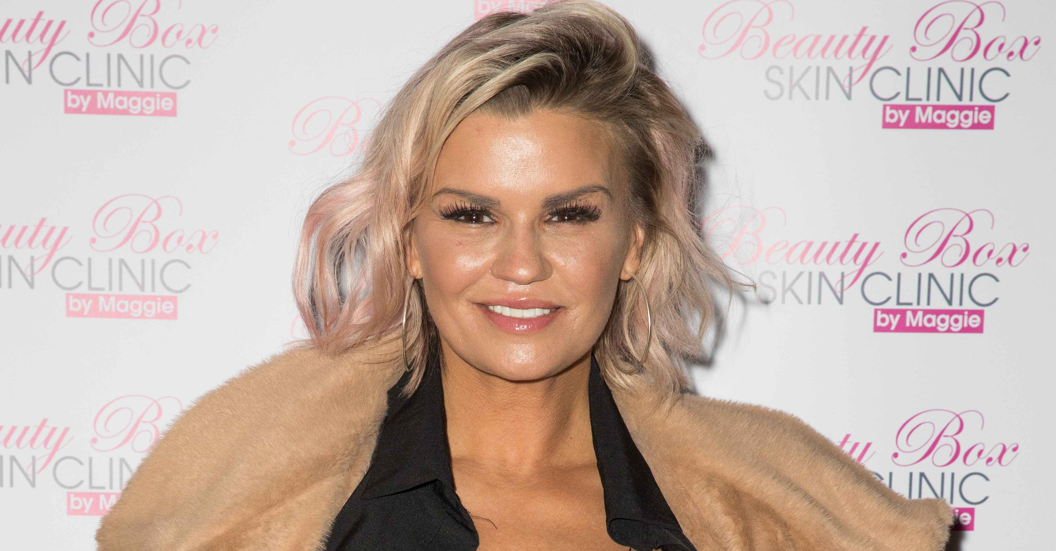 Kerry Katona shows off stunning new hair after being hospitalised with mystery illness