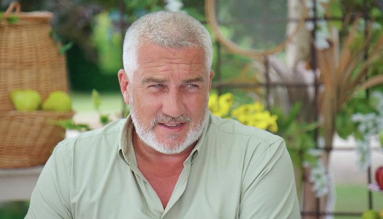 Paul Hollywood sets fans' hearts racing with TIGHT Father Christmas outfit