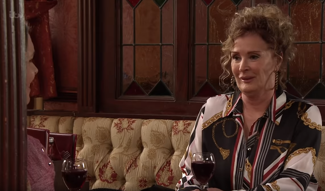 Coronation Street fans gobsmacked at Liz McDonald transformation ahead of exit