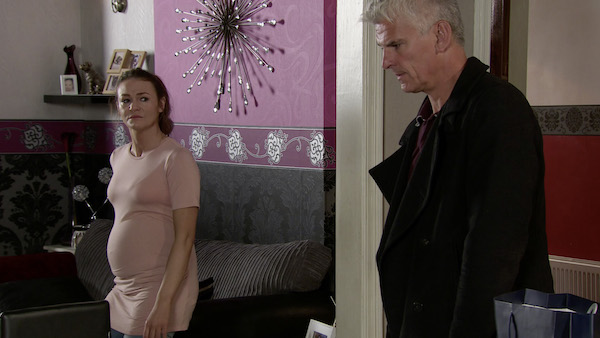 Coronation Street viewers think Robert Preston is holding Vicky Jefferies captive