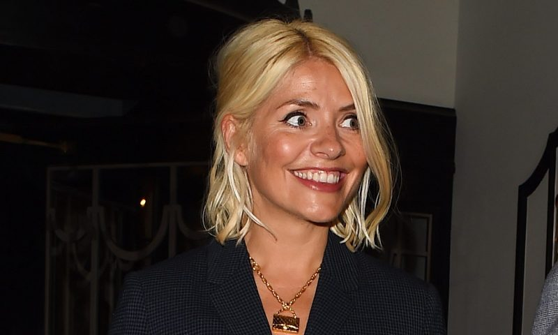 Fans urge Holly Willoughby to change hair colours after seeing her Halloween costume