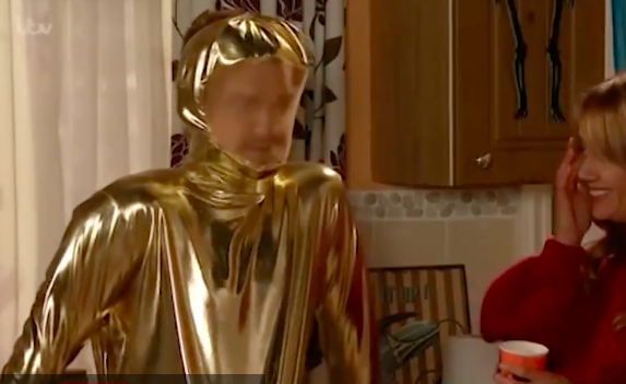 Coronation Street fans left gasping at Gary Windass' huge bulge in Halloween costume