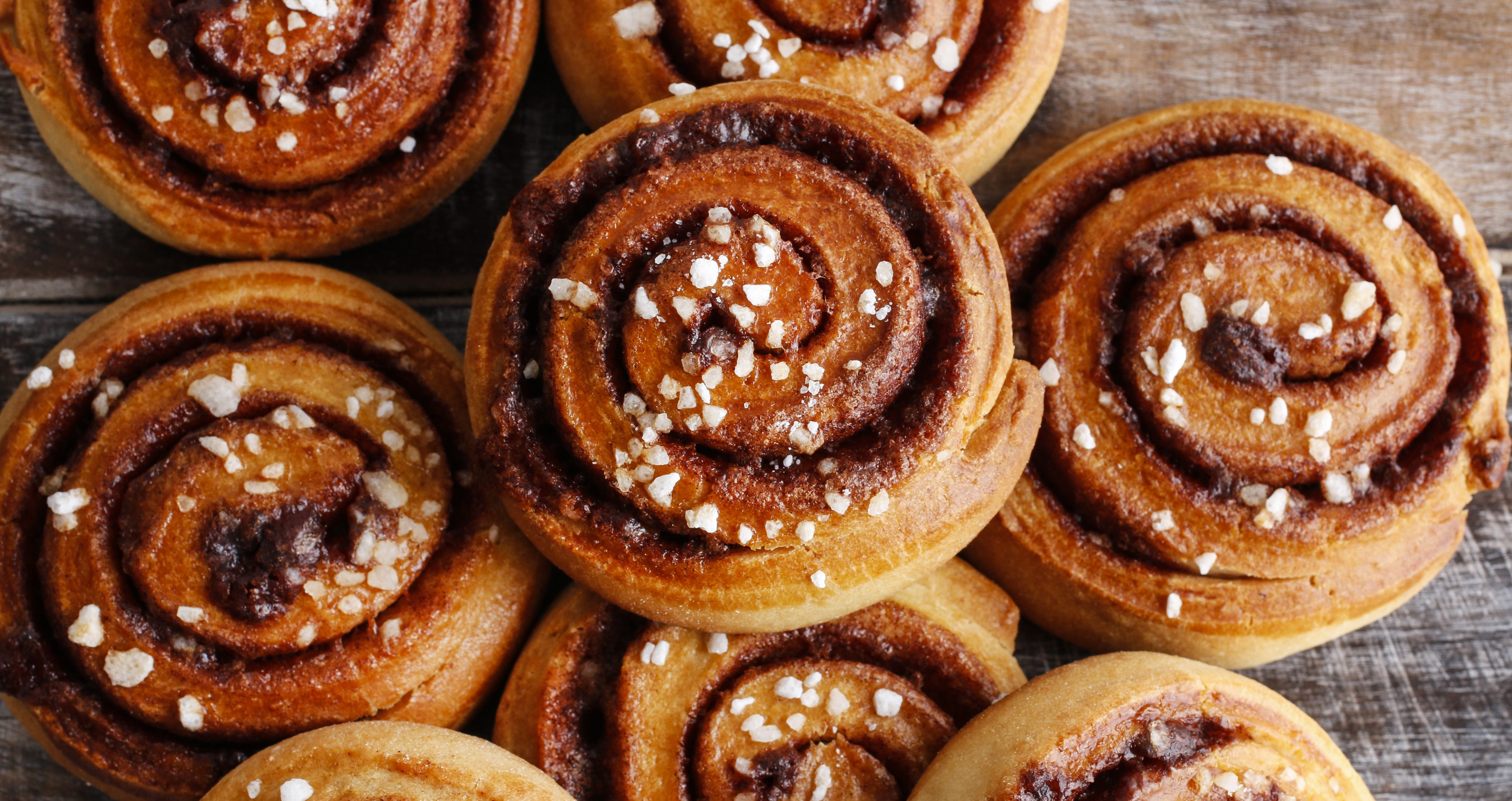 M&S shoppers go wild over cinnamon buns drizzled in caramel sauce