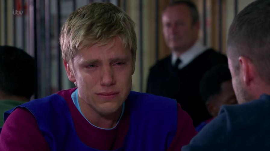 Emmerdale fans broken as Robert Sugden secretly dumps Aaron in final scenes