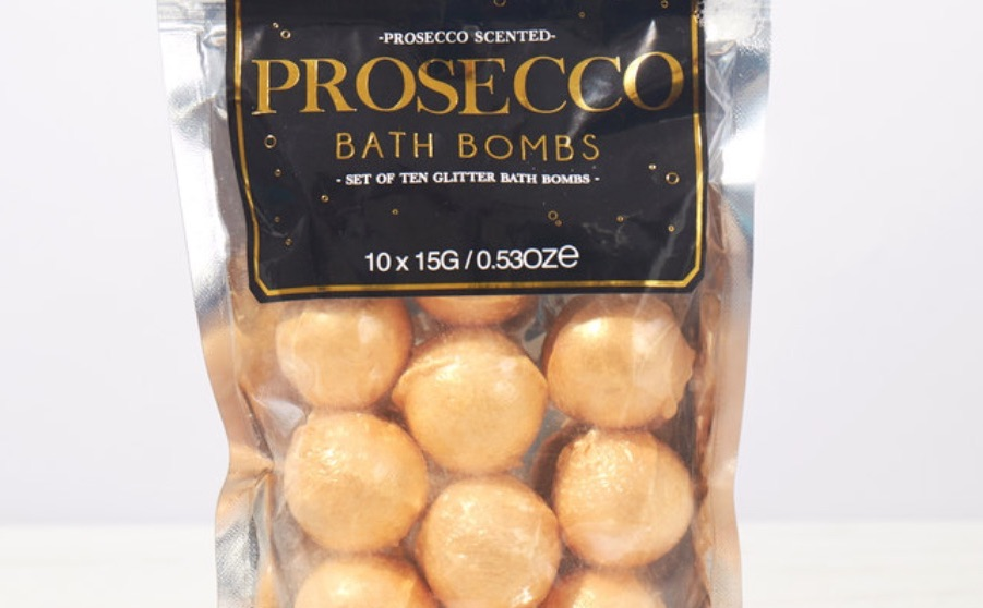Prosecco bath bombs are now available to buy from Firebox for £7.99