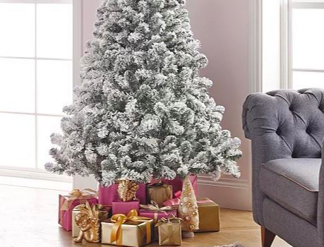 Asda is selling a Christmas tree with hundreds of five star customer reviews for just £35