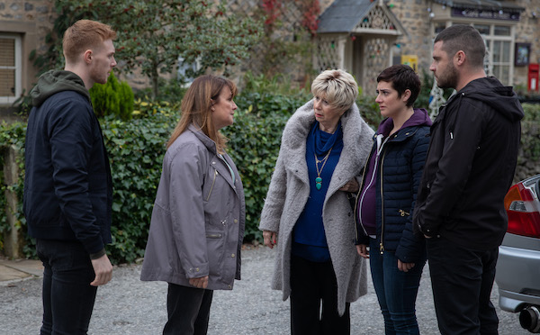 Emmerdale viewers disgusted as 'psychopath' Wendy Posner moves to the village