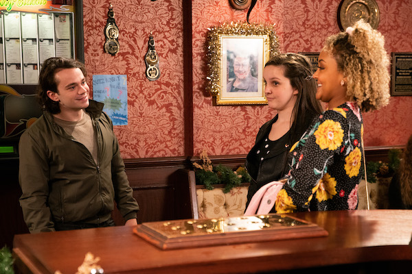 Coronation Street fans divided by Emma and Seb's romance