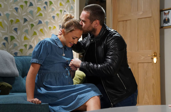 EastEnders fans HATE that Louise Mitchell's baby will be named after Peggy