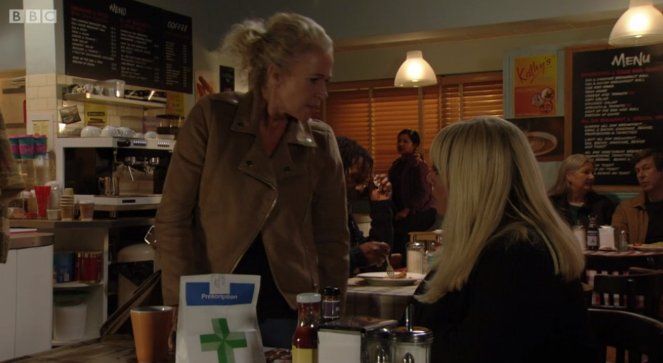 EastEnders fans take sides as battle between 'iconic' Lisa and Sharon heats up