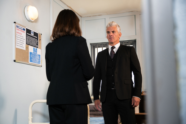Coronation Street SPOILERS: The net closes in on Robert