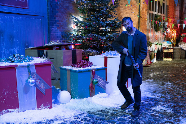 Coronation Street SPOILERS: Death on the cobbles this Christmas!