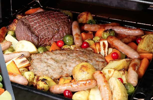 'No prep' Christmas dinner cooks in just 90 minutes and feeds six people at £6.50 a head!