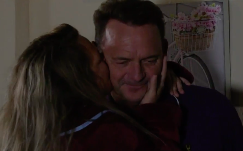 EastEnders fans torn as Karen Taylor and Billy Mitchell get it on