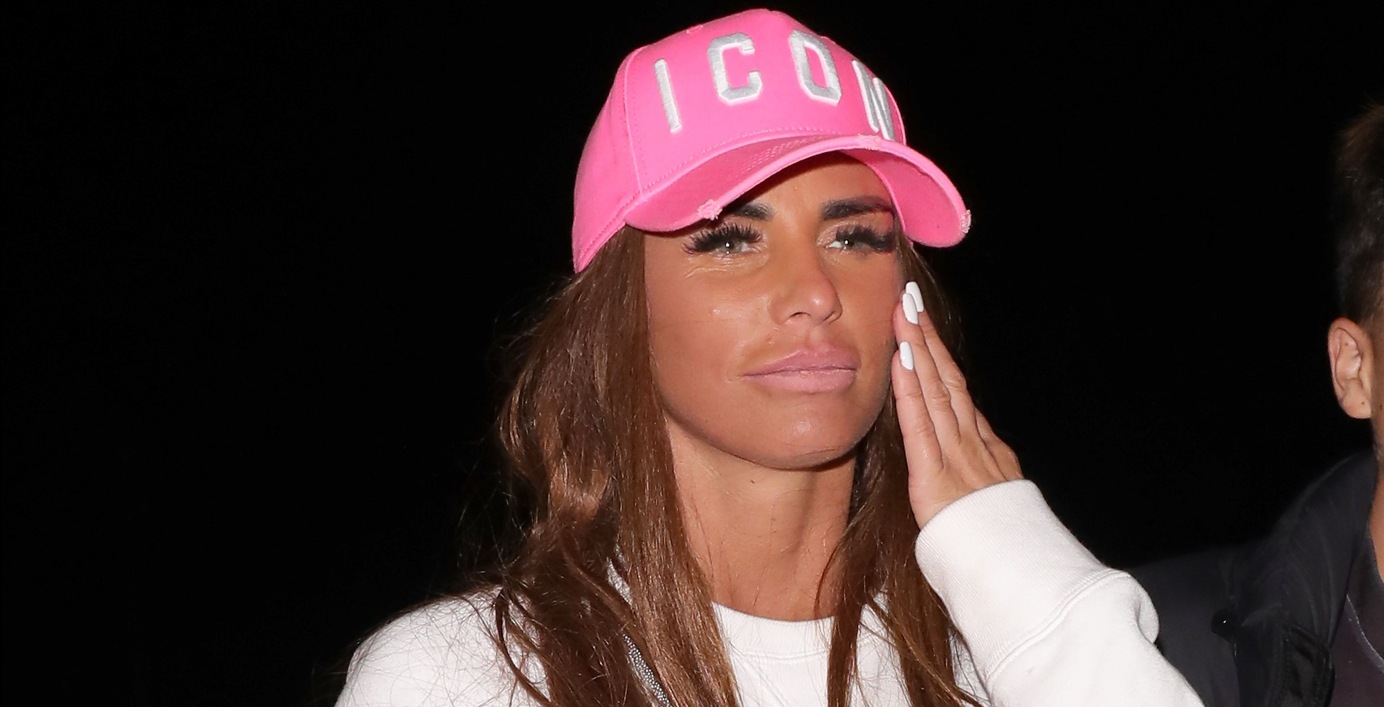 Katie Price 'considering quitting UK to move to America' after bankruptcy