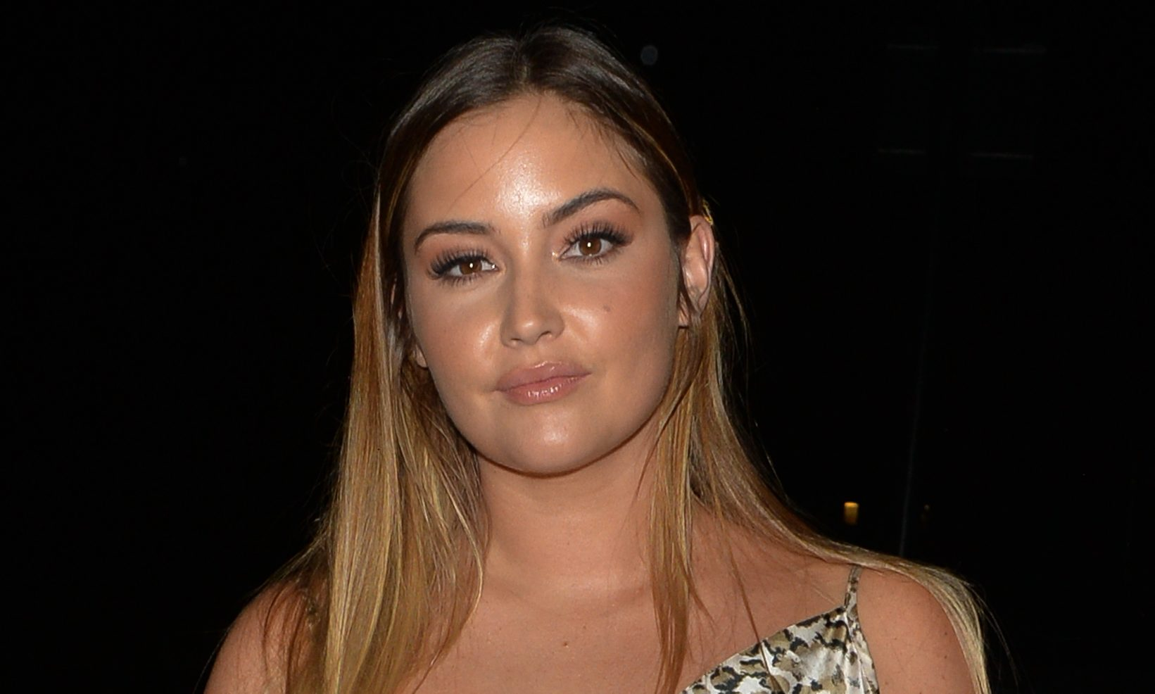 Jacqueline Jossa goes make-up free as she opens up about 'eye-opener'