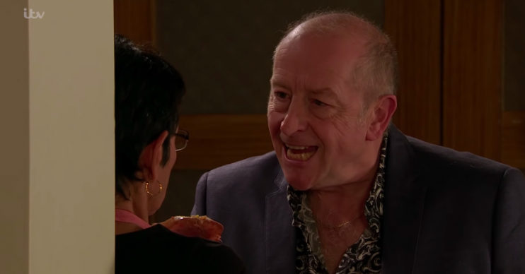 Coronation Street fans sickened as Geoff tries to force Yasmeen to eat a crab shell