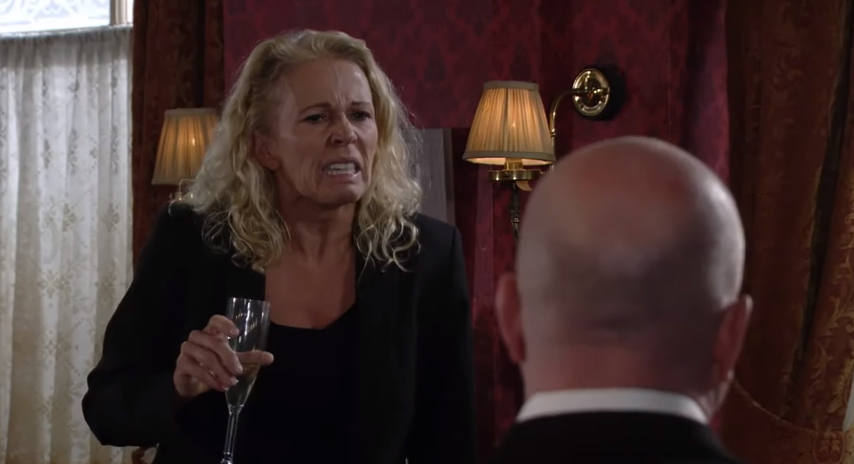 EastEnders Lisa Credit: BBC/Youtube
