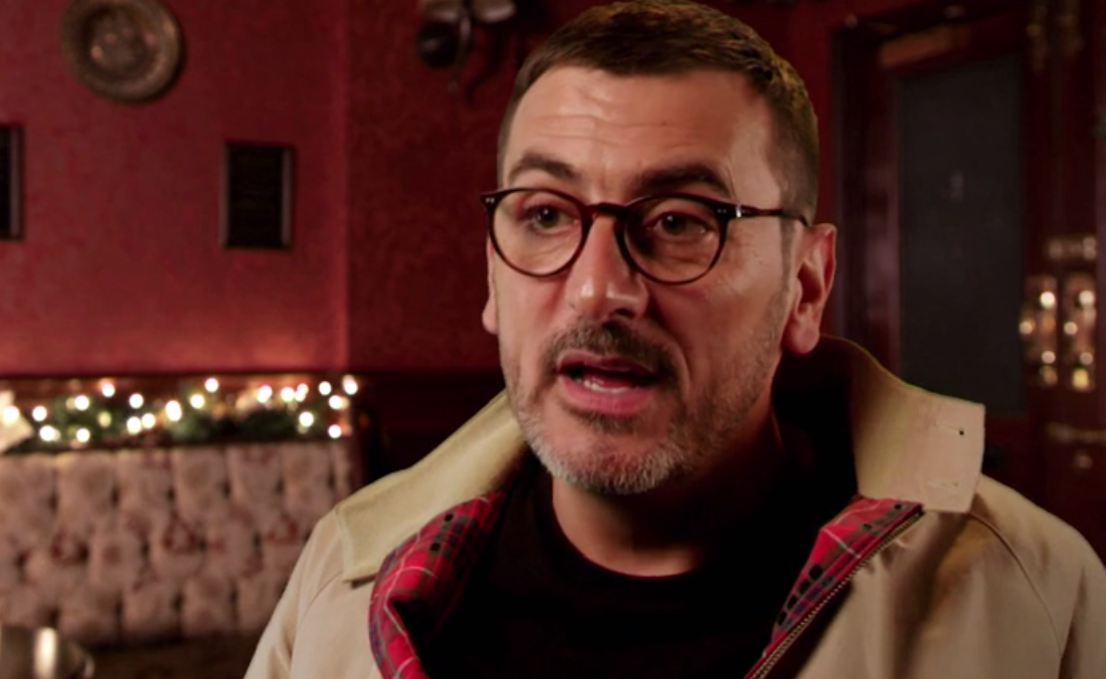 Coronation Street fans joke Peter Barlow star shouldn't be boozing with soap castmates