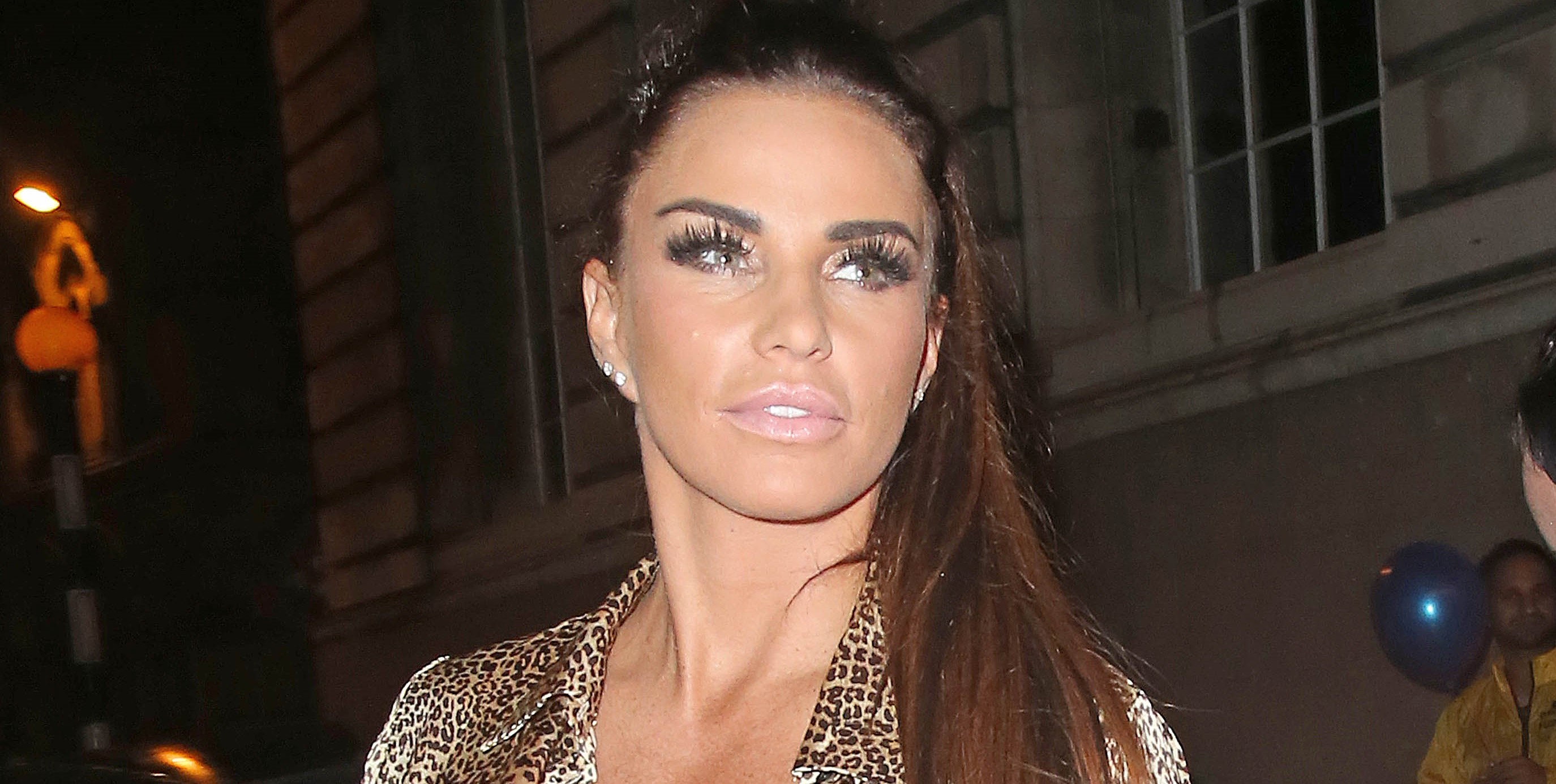 Katie Price 'to give up booze, sex and junk food for New Year's resolution'